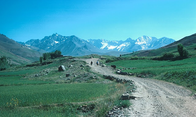 Silk Road: Winds into the Shah Foladi Valley near Bamiyan, Afghanistan. Photograph: Alamy. mongolschinaandthesilkroad.blogspot.com